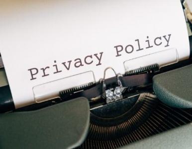 Macchina da scrivere con la scritta Privacy policy